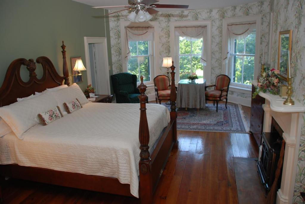 Rockwood Manor Bed and Breakfast